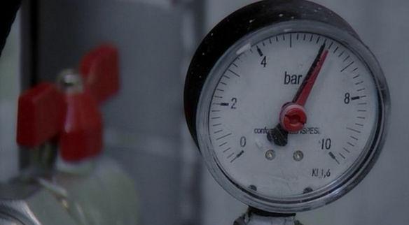 Опрессовка отопления до давления в 6 Bar.