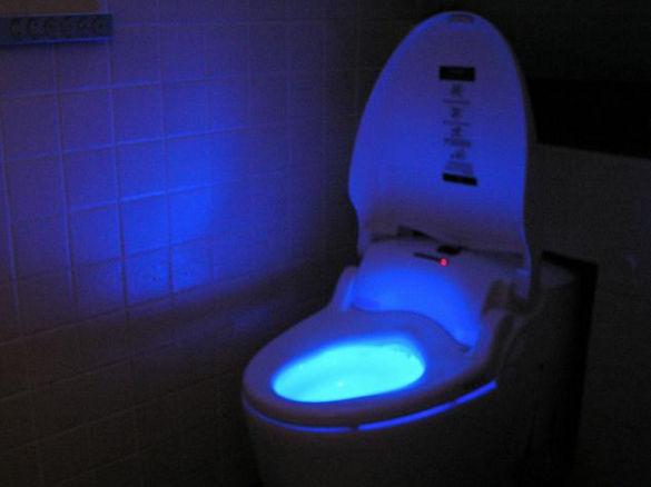 Подсветка туалета в ночное время.
