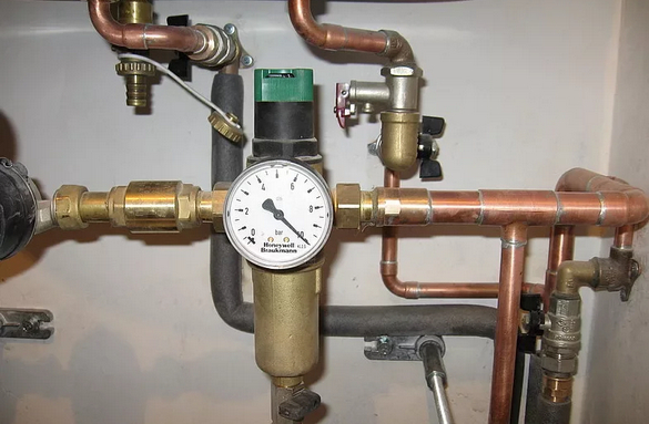 Редукторы давления воды.